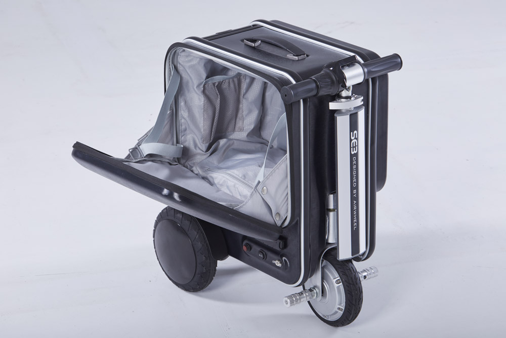 Airwheel SE3 scooter electric suitcase